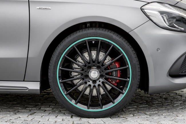 2016-Mercedes-Benz-A-Class-9