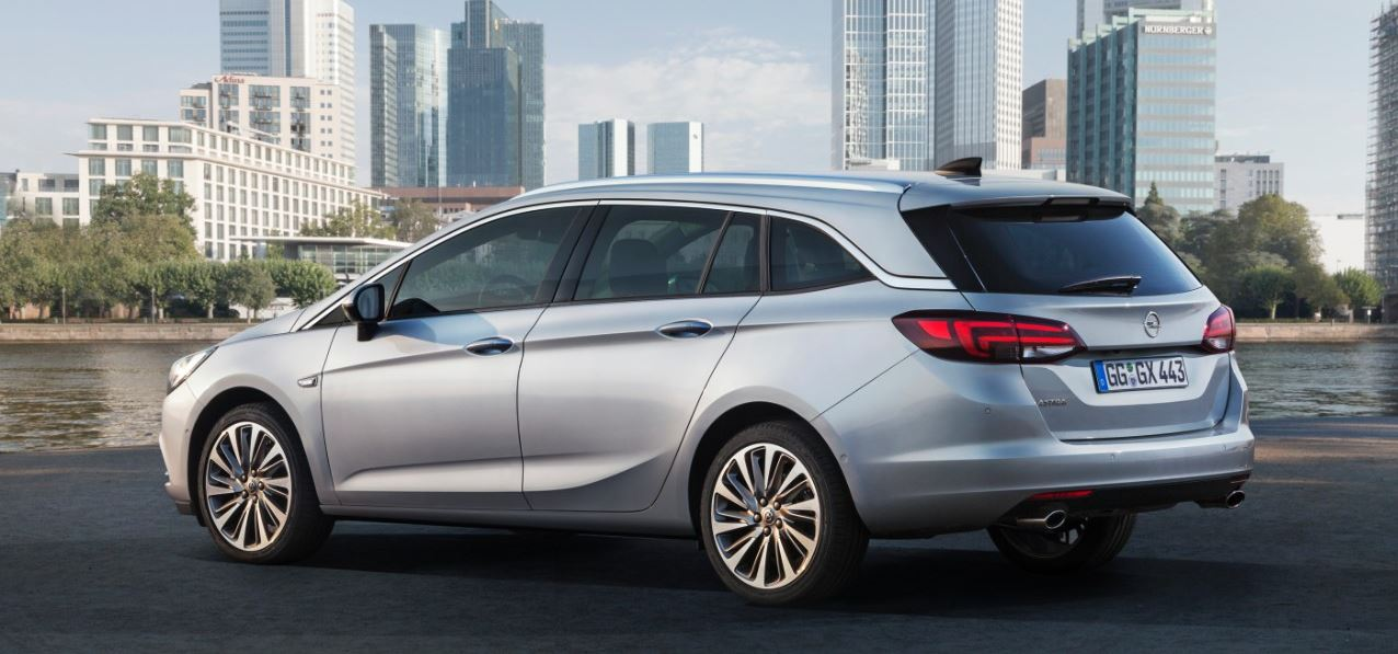 Opel Astra Sports Tourer 01