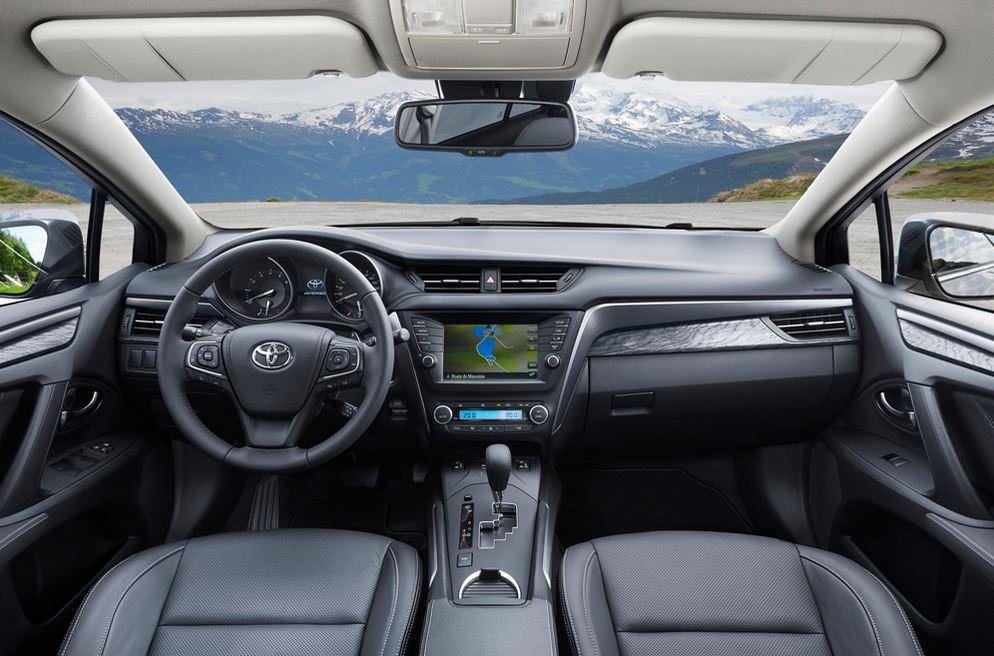 Toyota Avensis 04