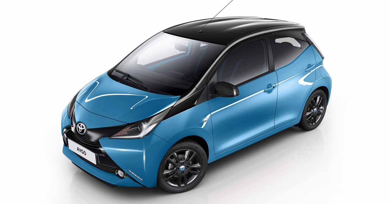 toyota aygo x cite ahora una versi n excitantemente azul. Black Bedroom Furniture Sets. Home Design Ideas