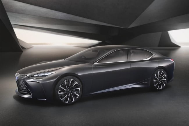 Lexus LS (5)