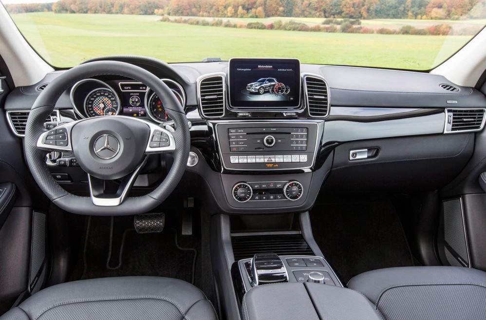Mercedes-Benz GLE 450 AMG 09