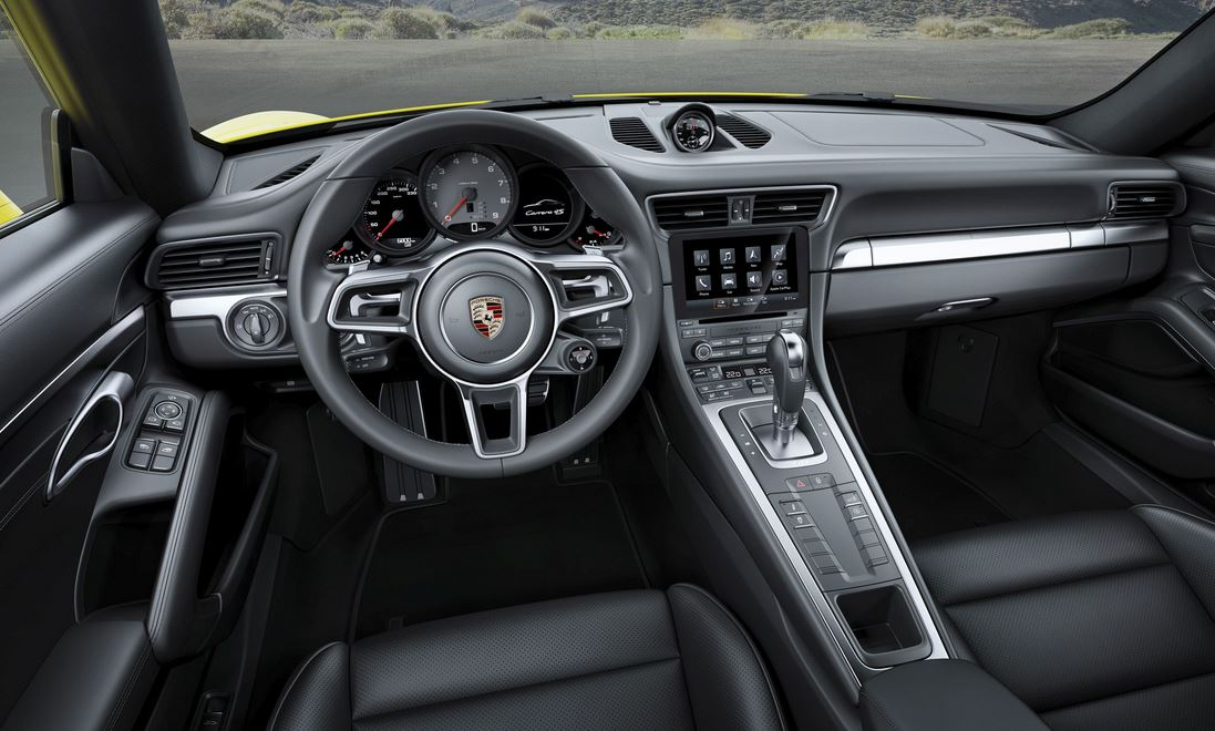Porsche 911 Carrera 4 Interior
