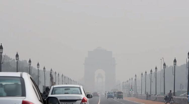 Prohibida la venta de coches diésel en Nueva Delhi por la contaminación
