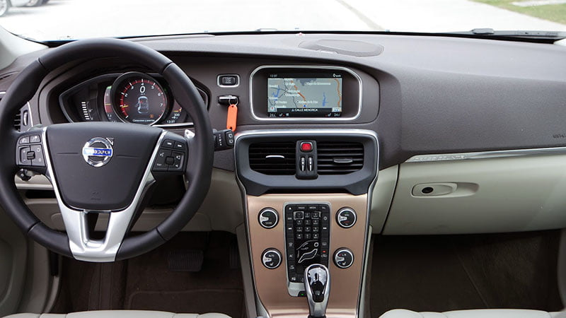 volvo v40 cross country t5 awd interior
