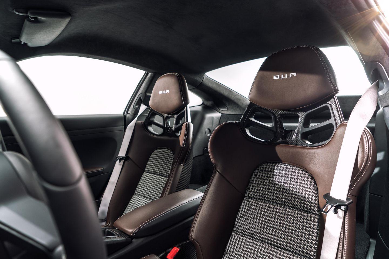 porsche 911 r interior