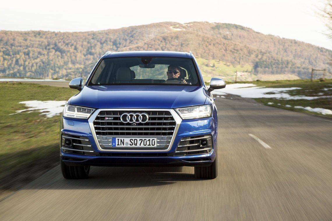 Audi-SQ7_7