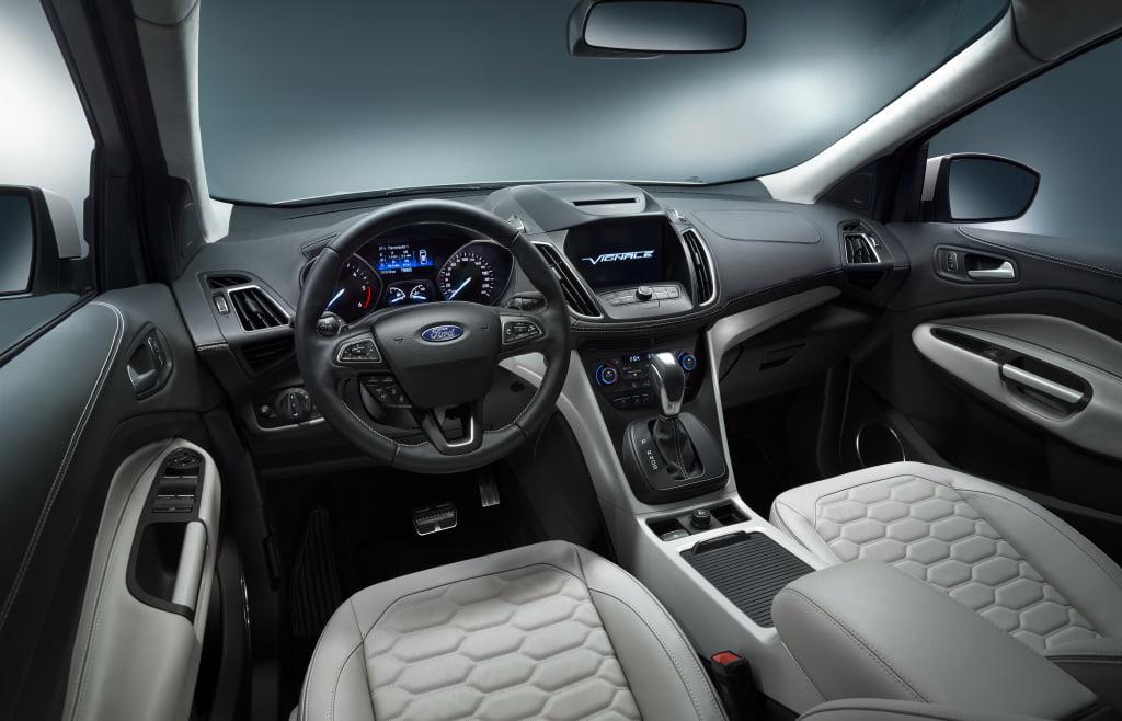 interior ford kuga vignale