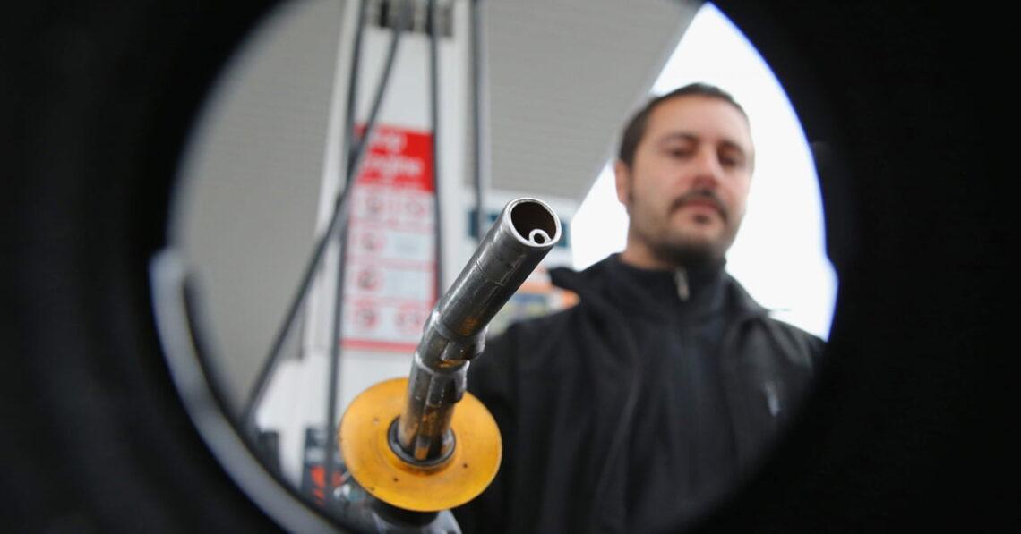 el problema de la gasolina barata