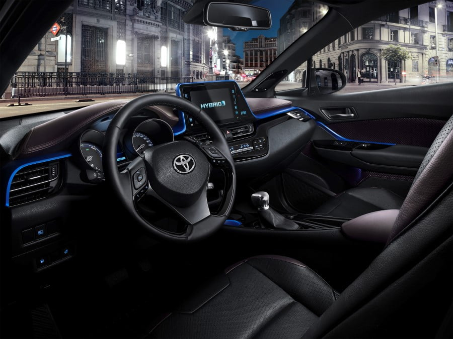toyota c-hr interior (8)