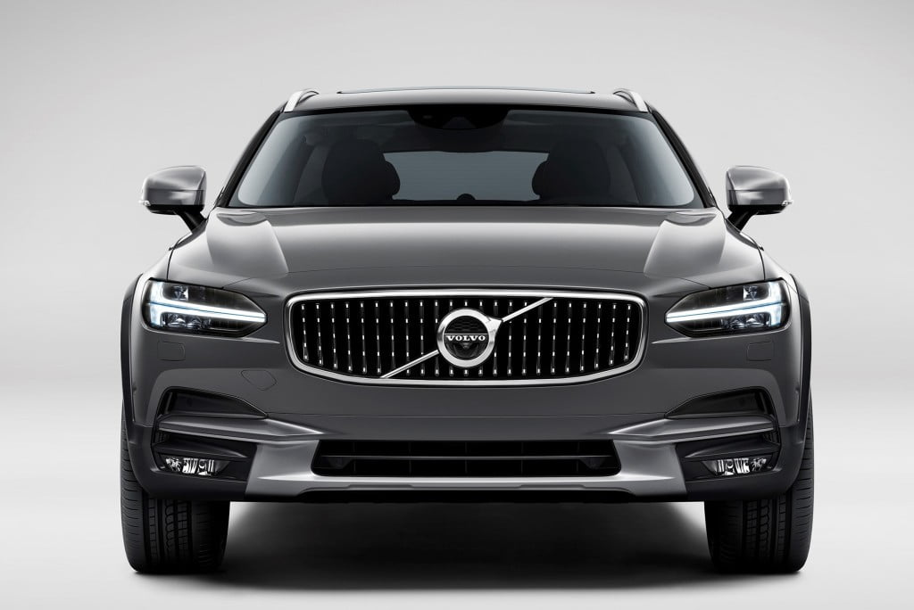 volvo v90 cross country frontal