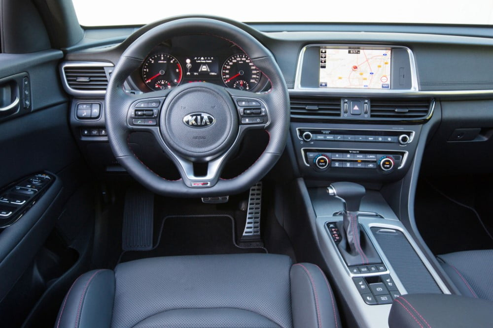 interior del kia optima sw 2017