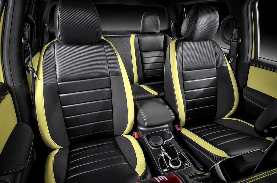 interior del Mercedes Benz Clase X