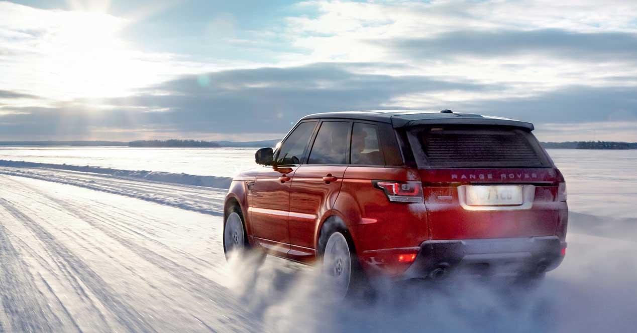 range rover nieve