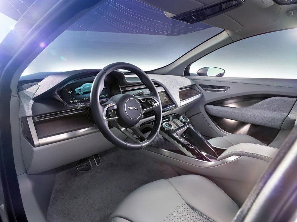 interior del jaguar i pace concept