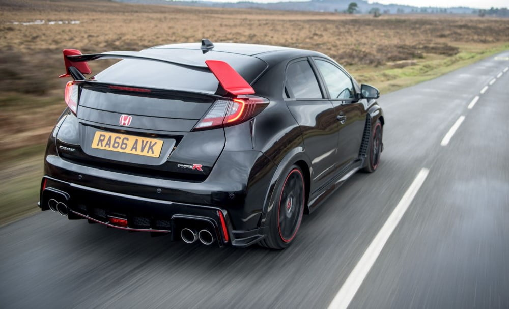 foto posterior del honda civic type r black edition