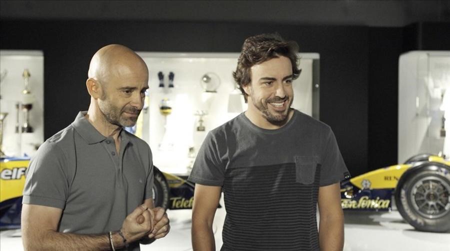 Barcelona 09 06 2016 Television TV Programa de La 1 estrena  Desafia tu mente   Fernando Alonso  primer invitado de Antonio Lobato
